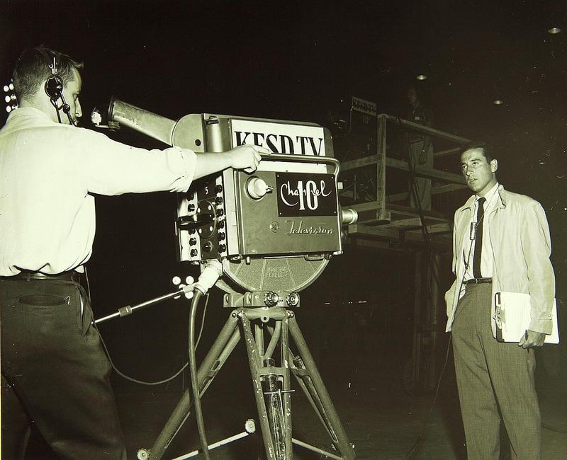 Kameramann filmt Nachrichtensprecher