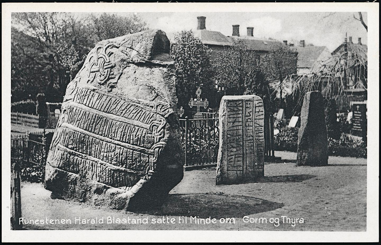 Die Runensteine von Harald Blauzahn in Jelling